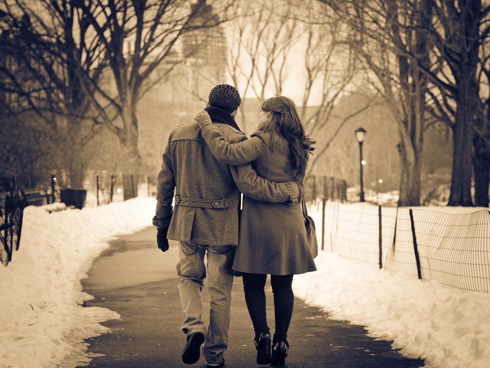 Evo zašto srećniji parovi postavljaju manje o svojoj vezi  na društvenim mrežama