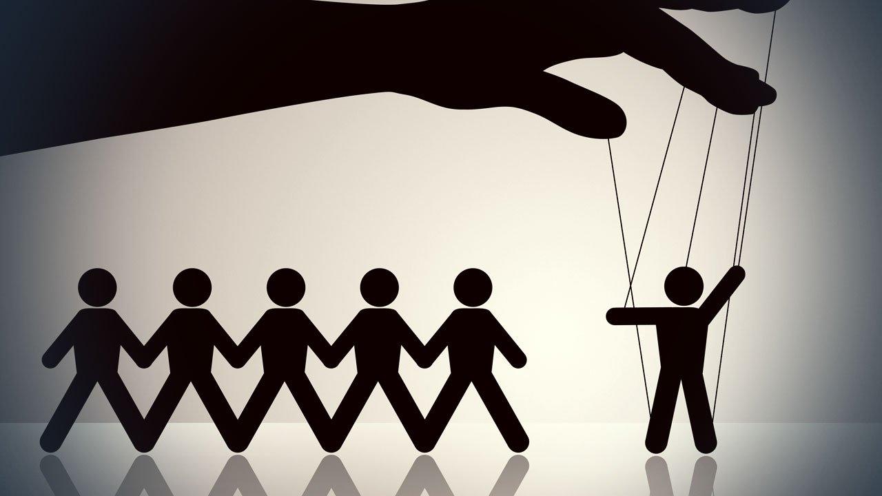 5 Znakova da vas vaš partner manipuliše
