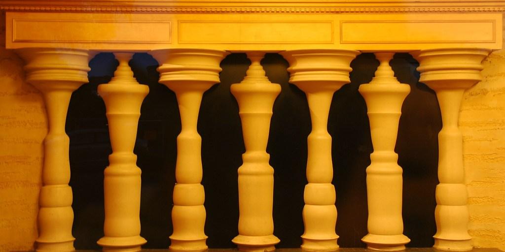 5 Društvenih Iluzija koje ljudi prihvataju kao realnost
