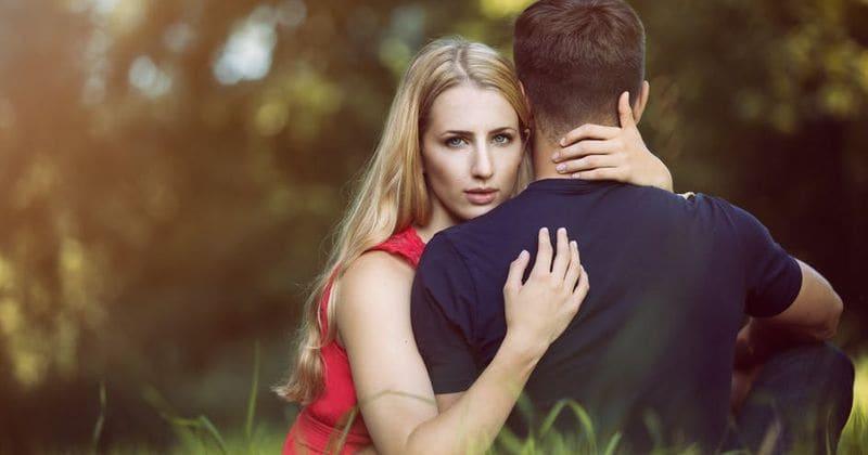 Nova studija pokazuje da su žene SRETNIJE sa MANJE atraktivnim PARTNERIMA..koliko ste vi sretne?