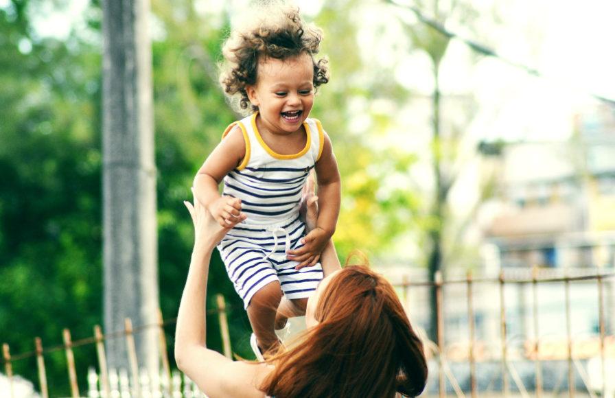 6 Stvari koje svaki roditelj treba znati kako bi odgojio sretno dijete