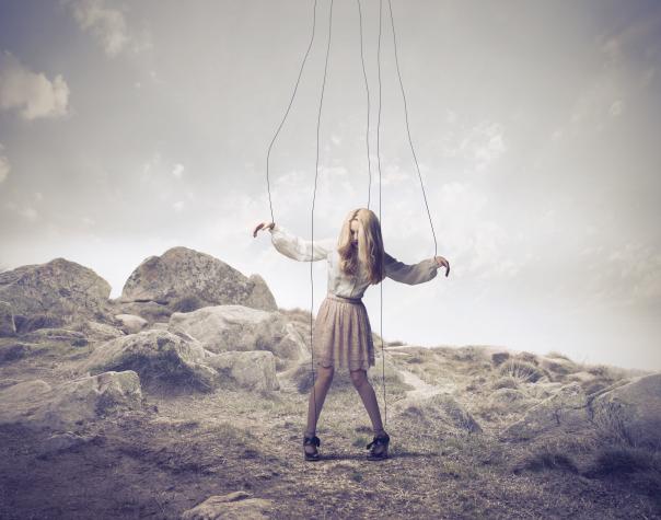 5 Fraza koje koriste sociopate i narcisti da bi kontrolisali druge