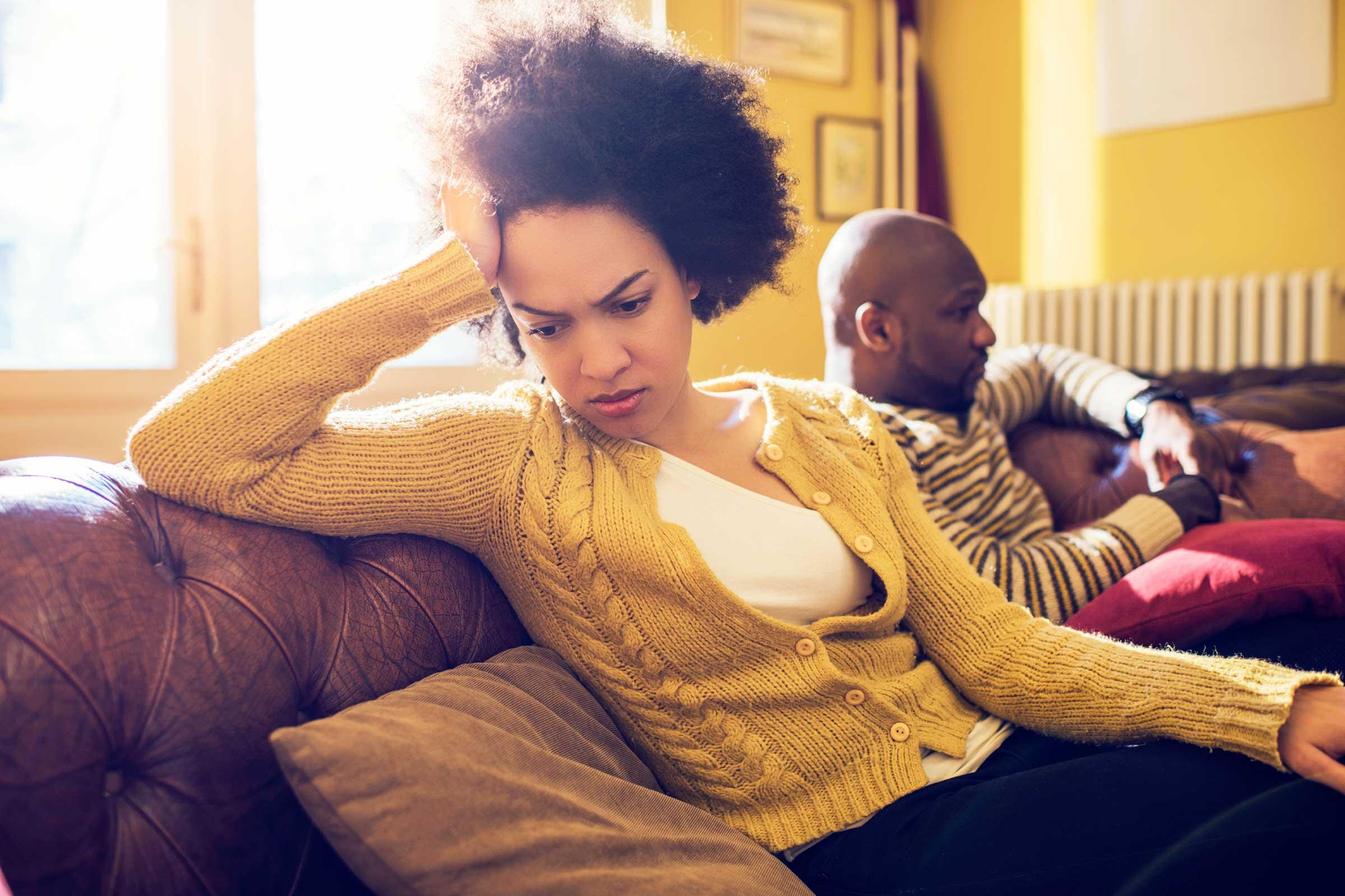 6 Znakova koji pokazuju da vaš partner nije srećan u vezi