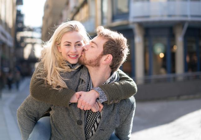 9 Tipova zagrljaja i šta svaki govori o vašoj vezi?