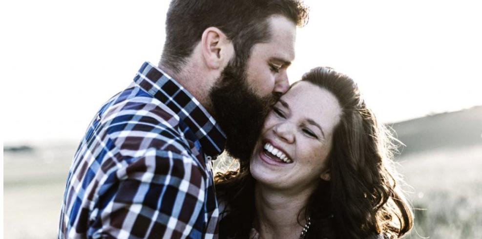 Oni su SAMOUVJERENI i POŠTUJU žene : 8 Načina na koje su  muškarci koji NE VARAJU drugačiji od ostalih