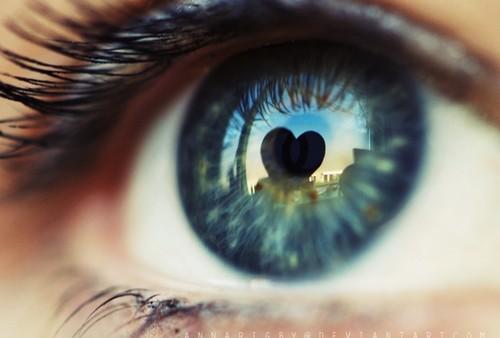 Ovo je razlog zašto se srodne duše povezuju kroz oči i srce