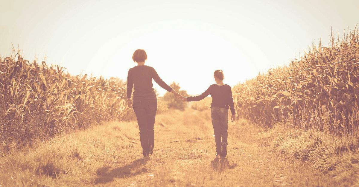 10 Životnih lekcija koje samo jake majke uče svoje ćerke