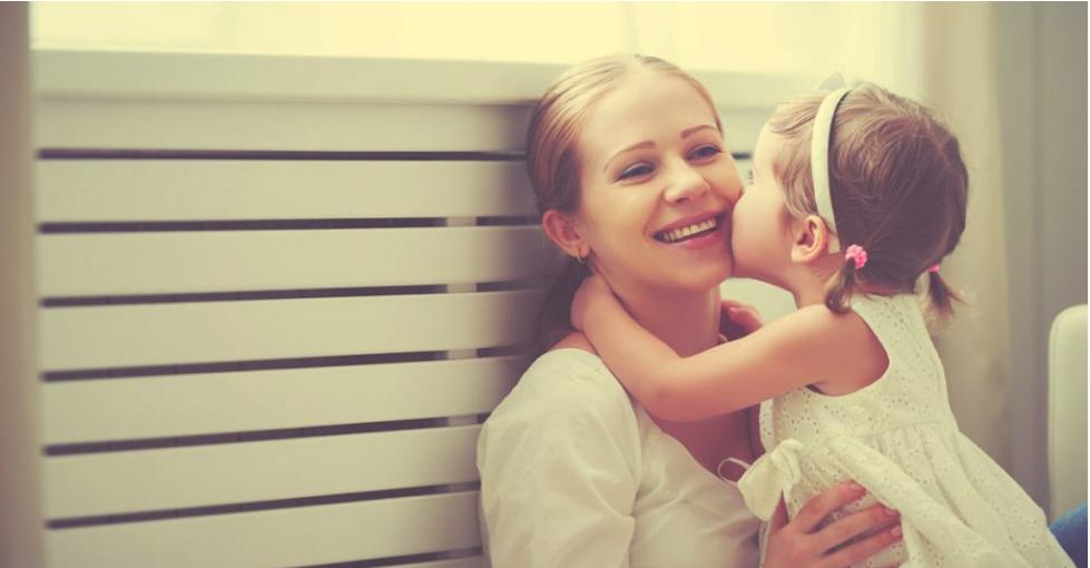 Istraživanja otkrivaju : Što više grlite svoju djecu , to oni pametniji postaju