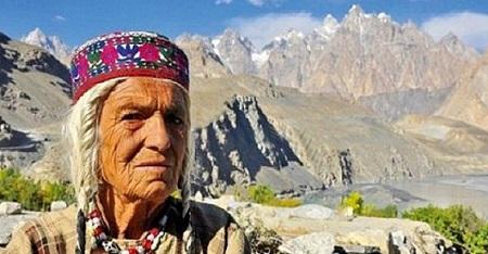 Oni žive do 120 godina, rađaju u 65-oj,  nikada nisu bolesni a ovo je njihova tajna!